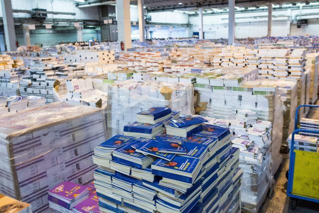 Ingyen kapja minden általános iskolás a tankönyveket - zökkenőmentes lesz az ellátás