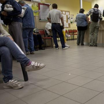 Tovább csökkent az álláskeresők száma