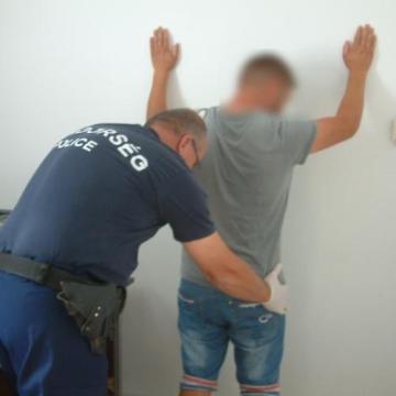 A határon bukott le a körözött román férfi