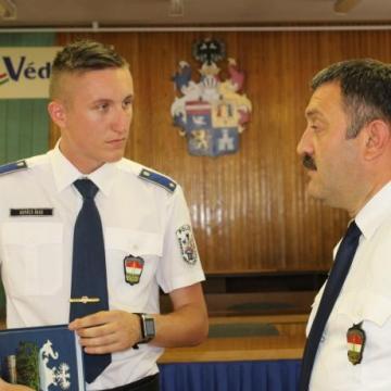 Új rendőrtisztek szolgálnak és védenek a megyében