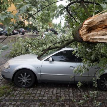 A nyugati országrészben tombolt a vihar