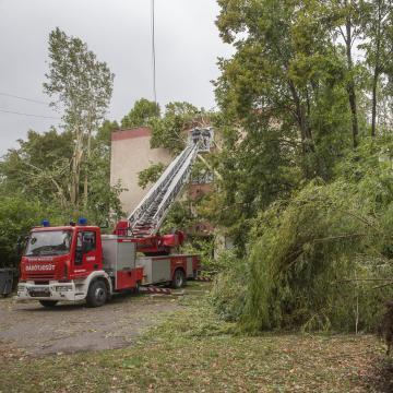 Közel másfél milliárd forint kárt okoztak a viharok két hét alatt