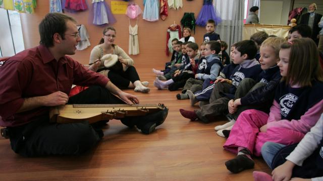 Gyermekeknek nyit színitanodát a Csiky Gergely Színház