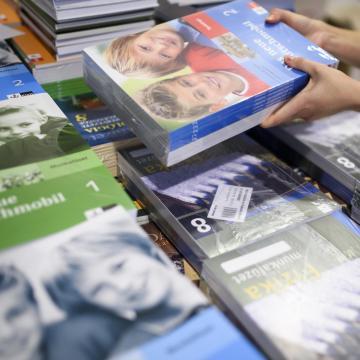 Már az iskolákban van a tankönyvek legnagyobb része