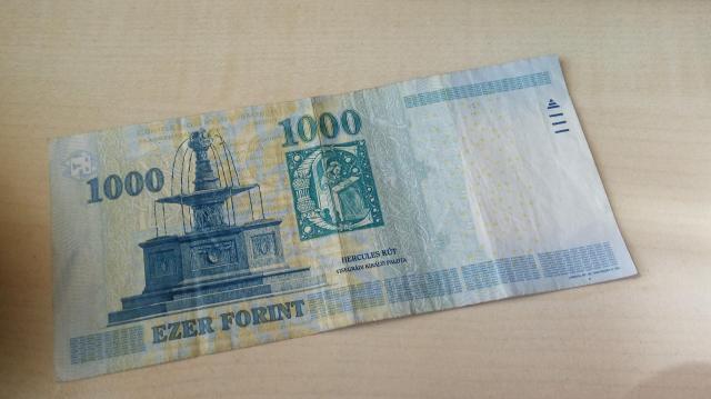 Megújul az 1000 forintos
