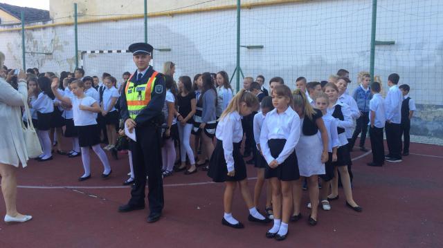 Akcióba lépnek a rendőrök: szeptemberben többet lesznek az iskolák környékén
