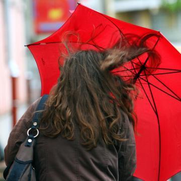 Hamisítatlanul őszies idő lesz a hétvégén, sok csapadékkal és erős széllel