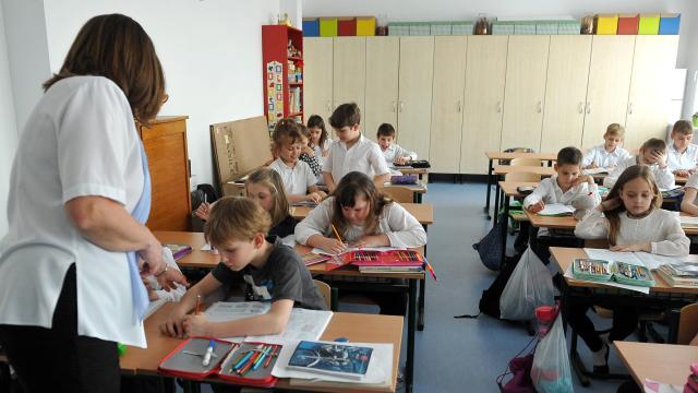 Véget ér a nyári szünet, pénteken kezdődik a tanítás az iskolákban