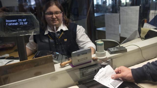 Visszatéríti a MÁV-Start a keddi sztrájk miatt meghiúsuló utazások árát