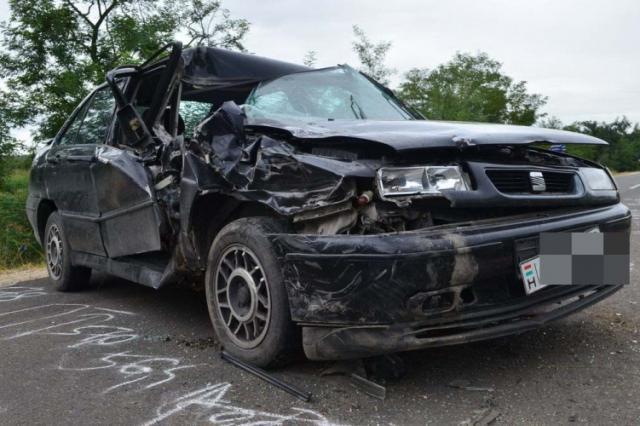 Előzés közben lovaskocsinak ütközött egy autó