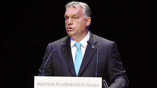 Orbán: soha ennyi gyermek nem jutott még ingyenes tankönyvhöz