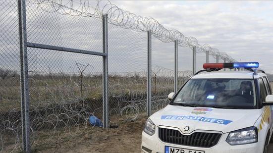 Több csapatnyi illegális migráns bukott le Bács-Kiskunban