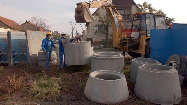 Több mint 2,5 milliárdból építik ki a szennyvízhálózatot Dombegyházon