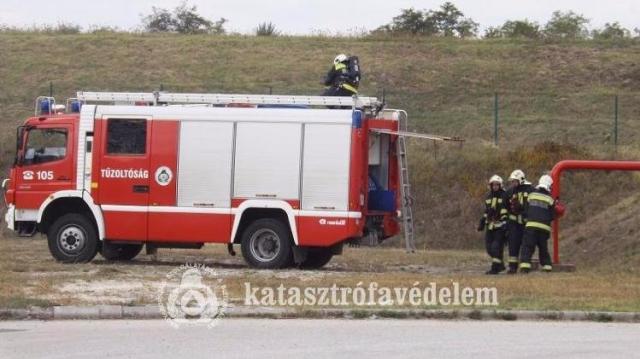 Tűz ütött ki az ipari parkban – gyakorlatoztak a tűzoltók