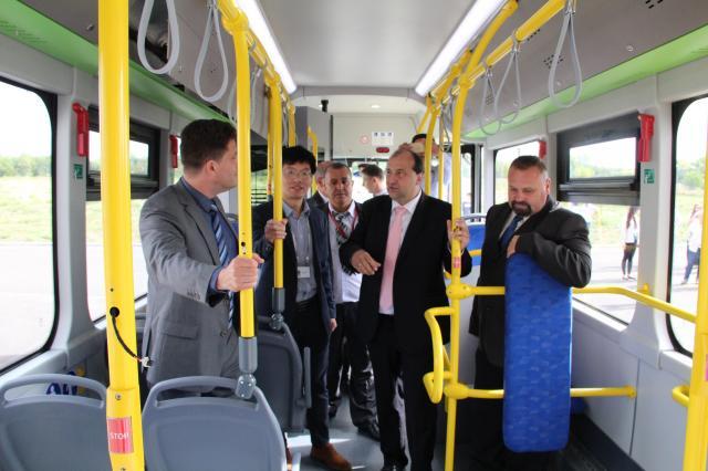 Elkészült az első két komáromi elektromos busz