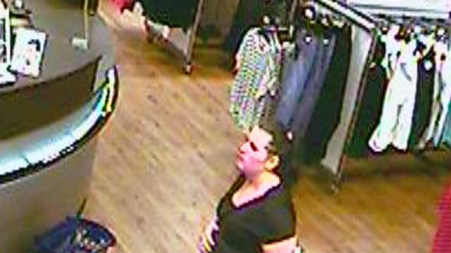 Keresik a nőt, aki telefont lopott