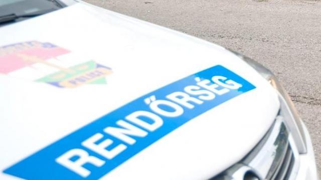 Megmentették egy balesetet szenvedett nő életét a rendőrök
