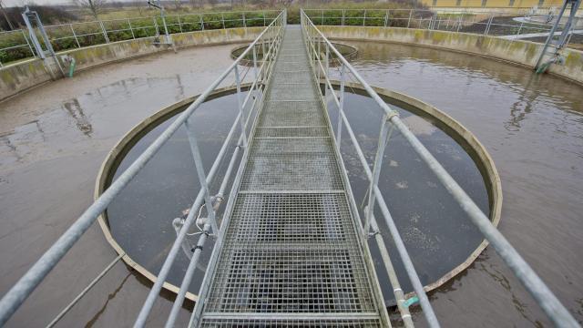 Jelentősen emelik a nyugat- és dél-dunántúli szennyvízkezelési projekt támogatását