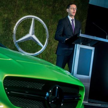 Új képzési központot hozott létre a Mercedes-Benz