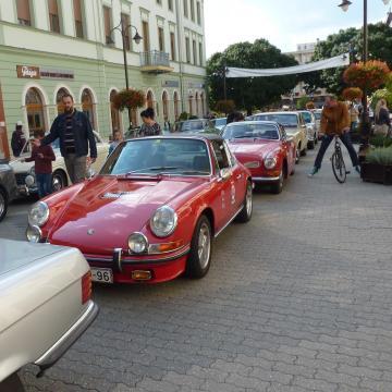 Akiknek teljesült a vágyuk, egy oldtimer autó