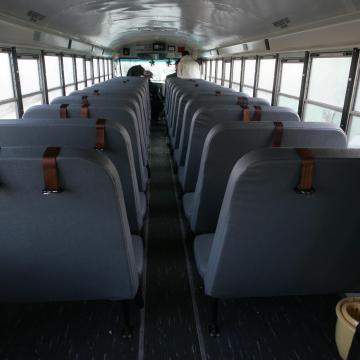 Emmi: jövőre szigorodnak az iskolai buszos kirándulások szabályai