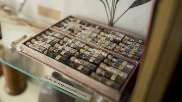 Magyar hatóság nem tudja betiltani a homeopátiás szereket