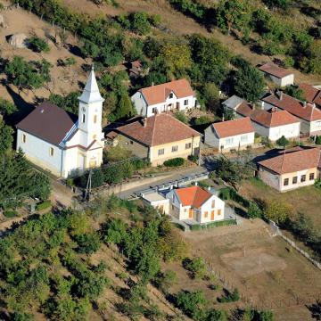 Átadták a 190 millió forintból épült pazsagi turistaházat