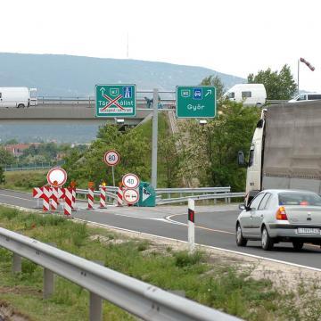 Baleset miatt lezárták az M60-as autópályát Pécs mellett