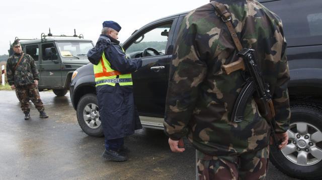Járműben elbújva próbáltak átszökni Magyarországra