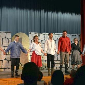 Pajtaszínház program - Támogatást kapnak az amatőr színjátszók