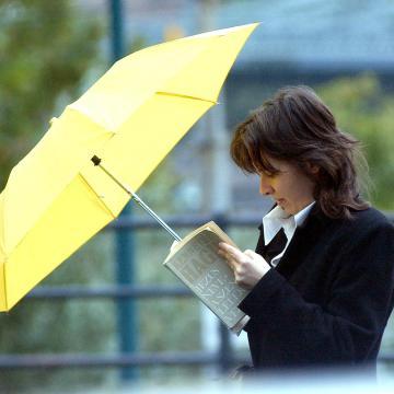 Szeles, többször esős időhöz kell öltözni az utolsó októberi hétvégén