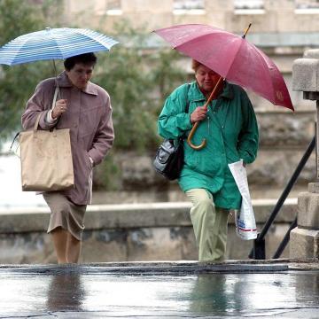 Szeles, többször esős lesz az utolsó októberi hétvége