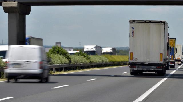 Újabb forgalomkorlátozások és torlódások az M1-esen
