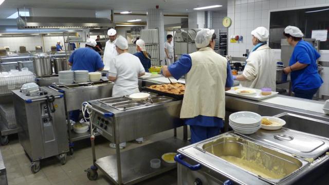 Diétás ételeket is főznek a kórház új konyhájában