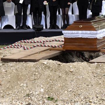 Halottak napja - Szakpszichológus: leginkább a környezet tud segíteni a gyász feldolgozásában