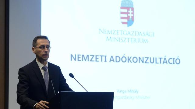 Varga Mihály: 8-ról 12 millióra emelkedhet az áfamentesség a kisvállalkozóknál