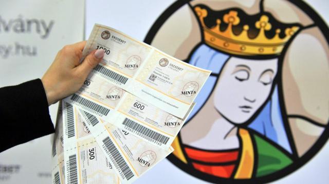 Idén is biztosítja a kormány a nyugdíjasok 10 ezer forintos Erzsébet-utalványát