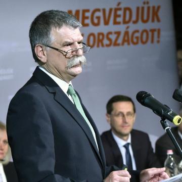 Kövér László: a migráció nem áll le