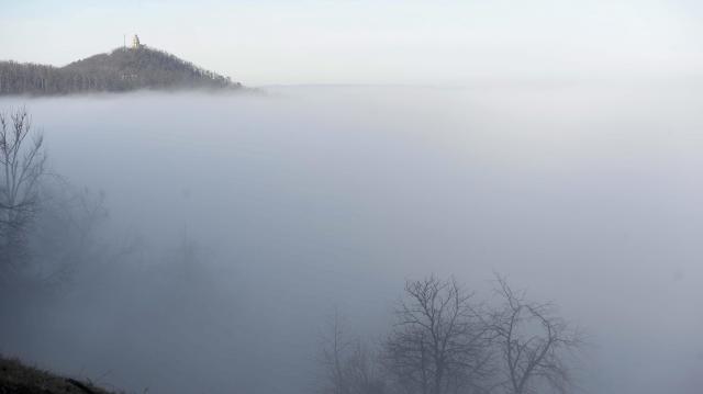 Tartós, sűrű köd miatt figyelmeztetnek térségünkben