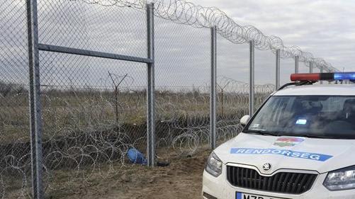 Több tucat illegális migráns próbálkozott