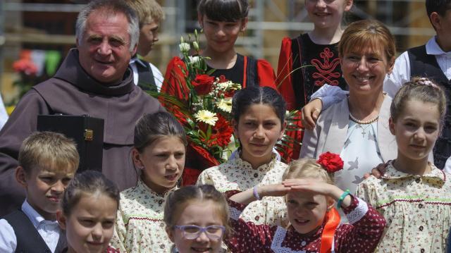 Böjte Csaba szerzetes neveltjei számára gyűjt több szervezet