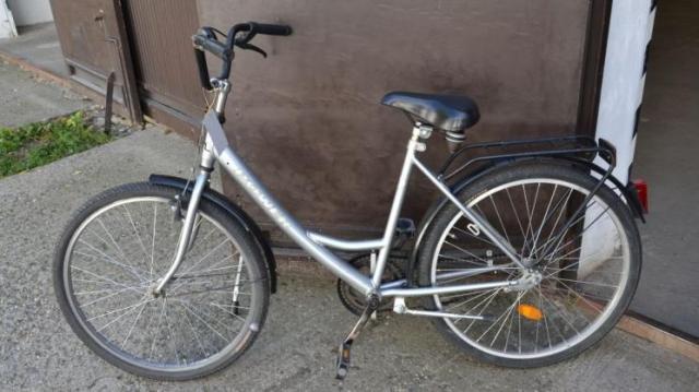 Ennek a kerékpárnak a tulajdonosát keresi a rendőrség