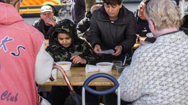 Indul az ételosztás téli vasárnapokon