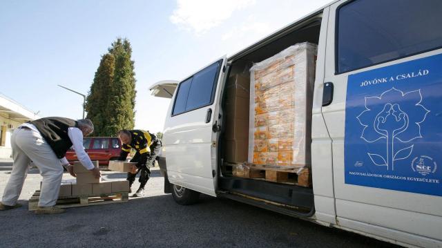 Közel 200 áruházban szervez Karácsonyi Adománygyűjtést a Magyar Élelmiszerbank