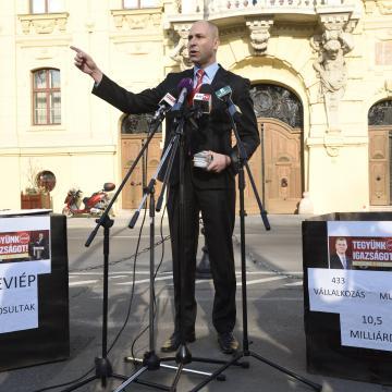 Szabó Bálint: a szegedi parkolóbérletek ügyében a legelőrehaladottabb az eljárás