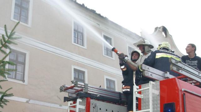 Tűzoltóság 112 - Az idősek pánikhelyzetben leblokkolnak
