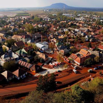 Kezdődik a vörösiszap-per megismételt elsőfokú eljárása Veszprémben