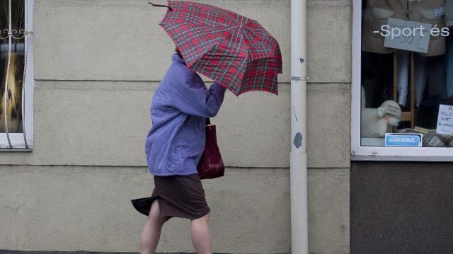 Viharos széllel rekordközeli meleg érkezik