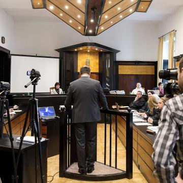 Elkezdődött az iszapömlés megismételt elsőfokú eljárása Veszprémben