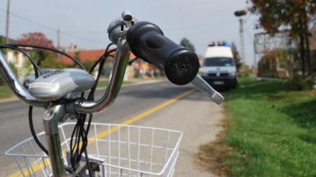 Figyelmetlen ajtónyitással kórházba juttatott egy kerékpárost